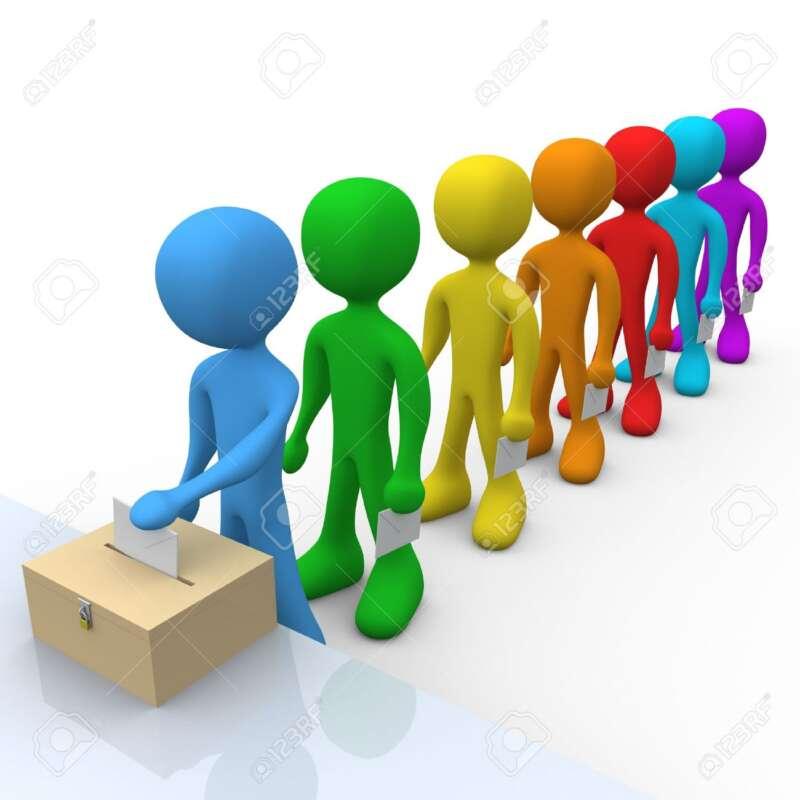 803363 la gente espera en línea para votar