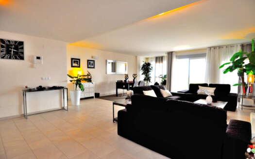 amplio apartamento en alquiler