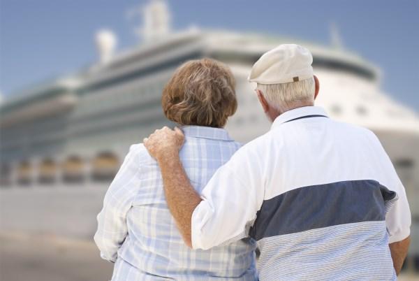 pareja senior en crucero