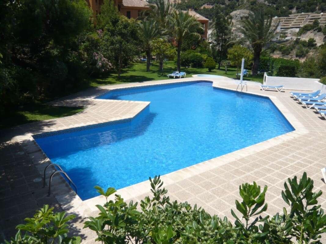 piscina comunidad 3