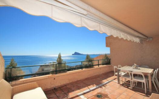 Atico duplex con gran terraza frente al mar en Altea