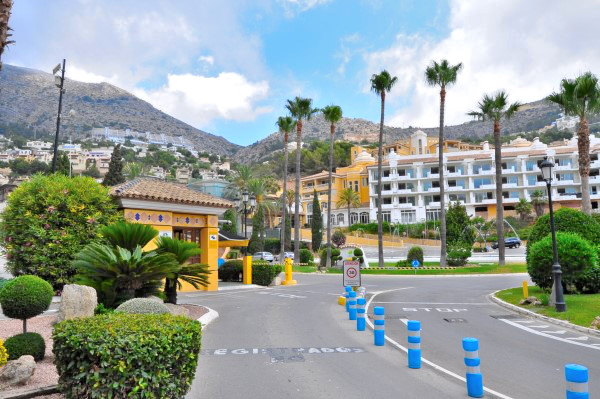 Apartment with sea view and pool in Altea Hills